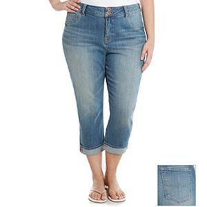 NWT Lucky Jeans Emma Crop size 24 plus light wash